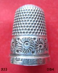 Collectable Hallmarked Silver Thimble 10644