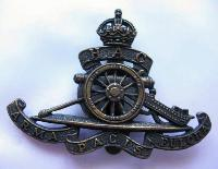 £10.00 - Collectable  British  Military Cap Badge 10652