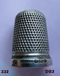 £35.00 - Collectable Hallmarked Silver Thimble 10669
