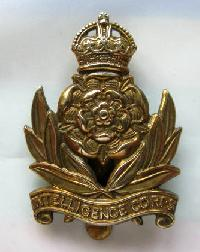 £5.00 - Collectable  British  Military Cap Badge 10705