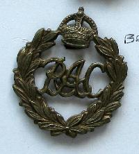 £6.00 - Collectable  British  Military Cap Badge  #10709