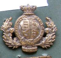 £15.00 - Collectable  British  Military Cap Badge 10775