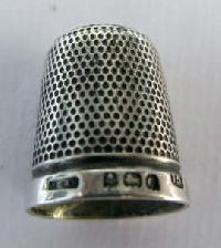 Collectable Hallmarked Silver Thimble10866