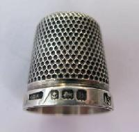 Collectable Hallmarked Silver Thimble 10879