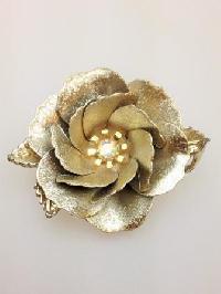 £22.00 - Vintage 50s Stunning Large Goldtone Flower Brooch AB Diamante 3D Effect
