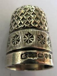 £35.00 - Collectable Hallmarked Silver Thimble 11580
