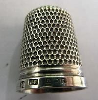 Collectable Hallmarked Silver Thimble 11581