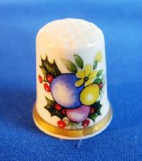 £3.00 - Collectable Bone China Thimble 6757