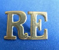 £4.00 - Collectable   Military Shoulder Title RE 6964