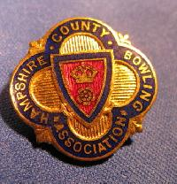 £4.00 - Collectable Hampshire Bowling Badge #7353