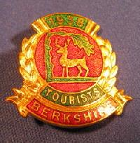 £4.00 - Collectible Berkshire Bowling Badge #7360