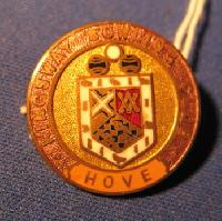 Collectable Bowling Club Badge representing  Hove 7415