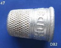 £15.00 - Vintage Aluminium Metal Thimble 8400