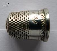 Silver collectable Thimble 8424