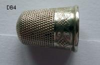 £20.00 - Collectable   Vintage Thimble 8428