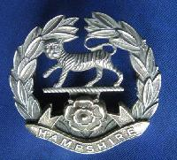 £6.00 - Collectable British  Military Cap Badge Hampshire 8443
