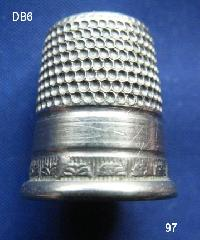 £10.00 - Collectable Vintage Thimble 8448