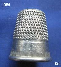 £10.00 - Collectable Vintage Thimble 8450