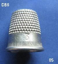 £4.00 - Collectable Vintage Thimble 8477