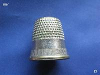 £4.00 - Collectable Vintage Thimble 8566