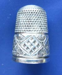 Collectable Hallmarked Silver Thimble 8669