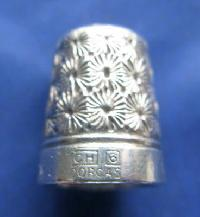 £35.00 - Vintage Silver Clad Dorcas Thimble By Charles Horner 8810