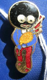 £25.00 - Collectable Vintage Robertsons Golly  Badge Bagpipe 8936