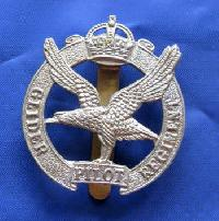 Collectable British  Military Cap Badge Glider 8967