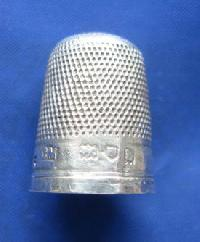 Collectable Hallmarked Silver Thimble 9005