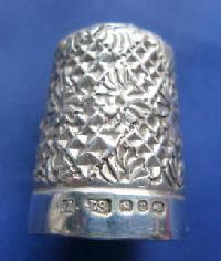 £35.00 - Collectable Hallmarked Silver Thimble 9119