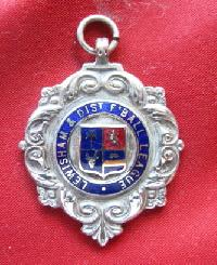 £5.00 - Collectable Vintage Football Award Watch Fob 9169