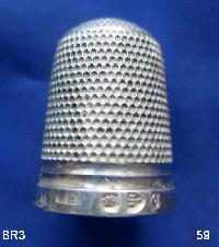 £35.00 - Collectable Hallmarked Silver Thimble 9206