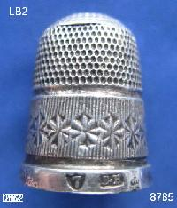 £25.00 - Collectable  Silver Thimble 9373