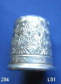 Collectable  J.S.&S Hallmarked Silver Thimble 9426
