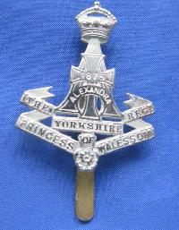 £6.00 - Collectable  British  Military Cap Badge 9759