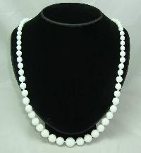 £14.40 - 1950s Long White Glass Hand Knotted Bead Necklace WOW