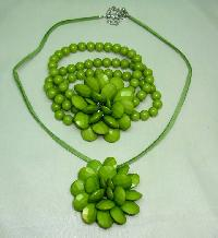 Chunky Green Flower Shaped Acrylic Pendant and Stretch Bracelet Set
