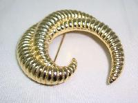 £17.60 - Vintage 80s Swirl Design Textured Gold Brooch Signed Saron