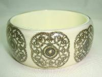 £20.00 - Fabulous Wide Chunky Cream and Gold Lace Inset Design Lucite Bangle