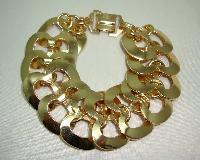 £12.00 - Vintage 50s Attractive Wide Gold Figure of Eight Fancy Link Bracelet