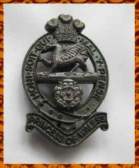 £9.50 - Collectable  British  Military Cap Badge10293