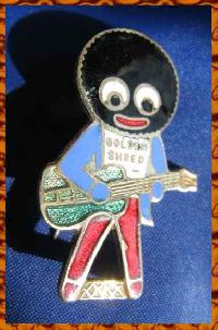 £20.00 - Collectable Vintage Robertsons Golly Badge Guitar  8919