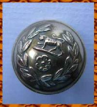 £4.00 - Collectable Vintage Military  Button Royal Hampshire 8789