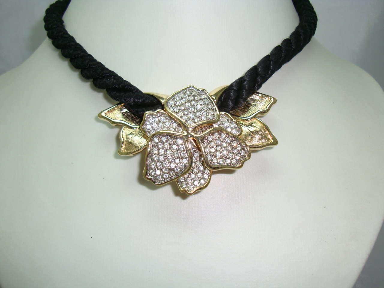 £28.00 - Vintage 80s Designer Diamante Goldtone Pendant Necklace on Black Cord