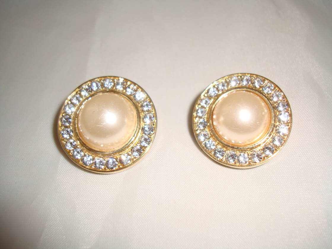 1980s Round Faux Pearl & Diamante Clip On Gold Earrings