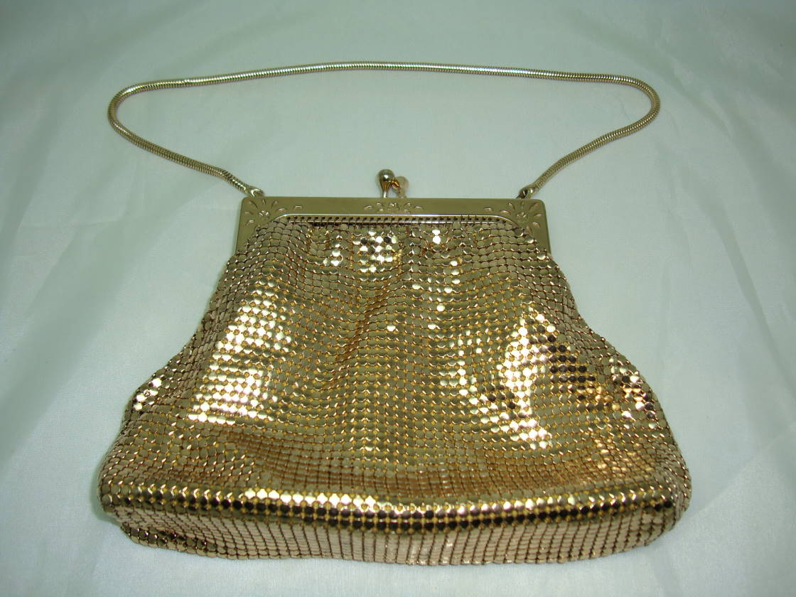Vintage 70s Glomesh Gold Metal Mesh Evening Handbag