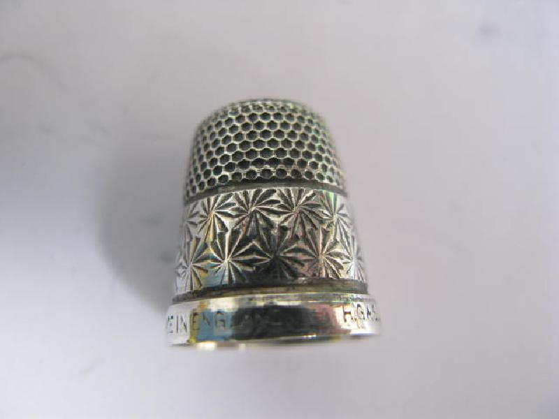 Collectable marked Sterling Siiver Thimble 11640
