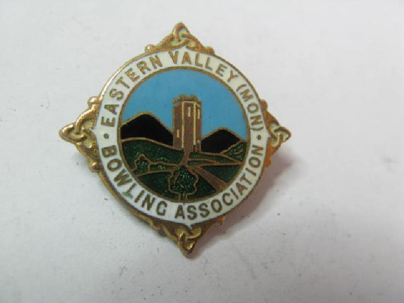 Collectable Vintage Bowling Club  Badge 11712