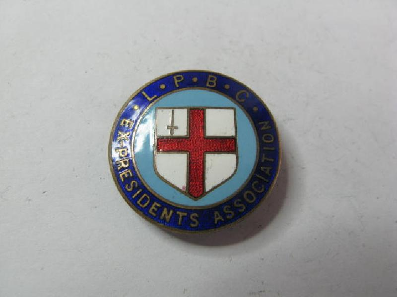 Collectable Vintage Bowling Club  Badge 11731