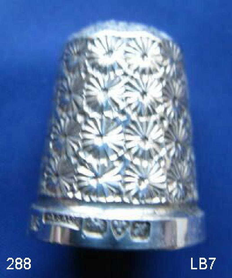 Collectable Hallmarked Silver Thimble with Case 9449